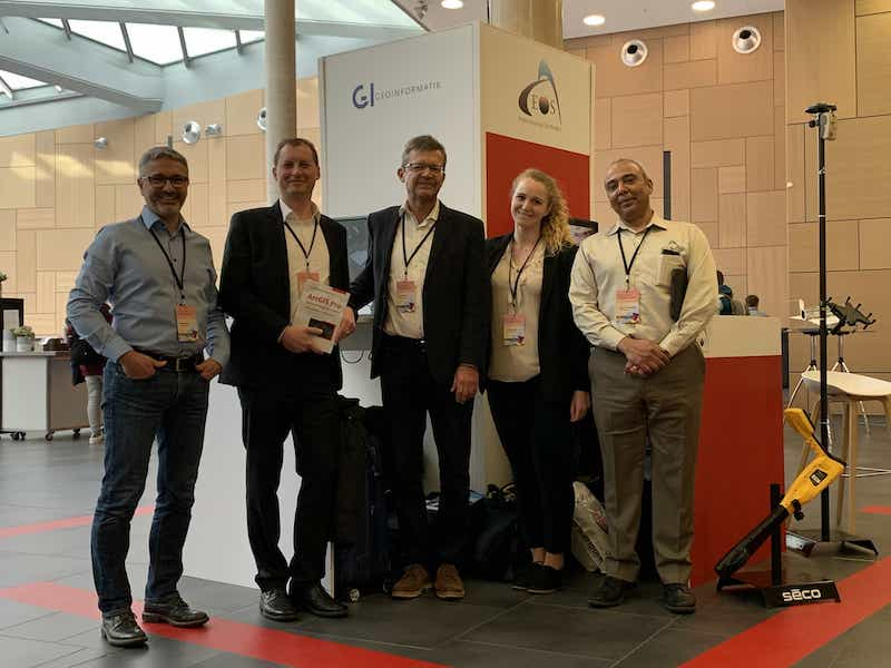 Peter Kaiser, Roland Körber, Dr. Klaus Brand, Theresa Maier (GI Geoinformatik) and Jean-Yves Lauture (CTO, Eos Positioning Systems) at the Esri Konferenz, which took place in March 2020 in Bonn, Germany