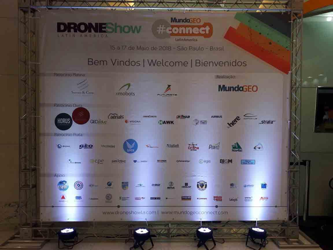 DroneShow MundoGEO Connect Sponsor wall