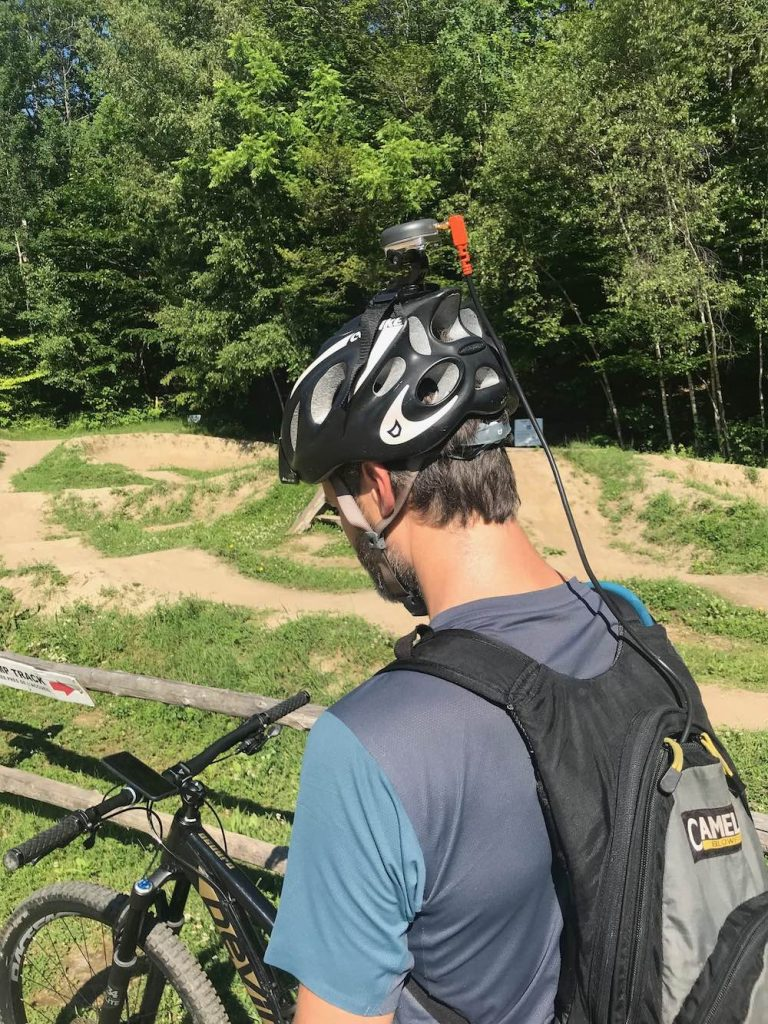 ArcGIS QuickCapture GNSS Receiver: Velo Quebec uses QuickCapture with an Arrow GNSS receiver to capture submeter locations up to 10 times every second (50hz).