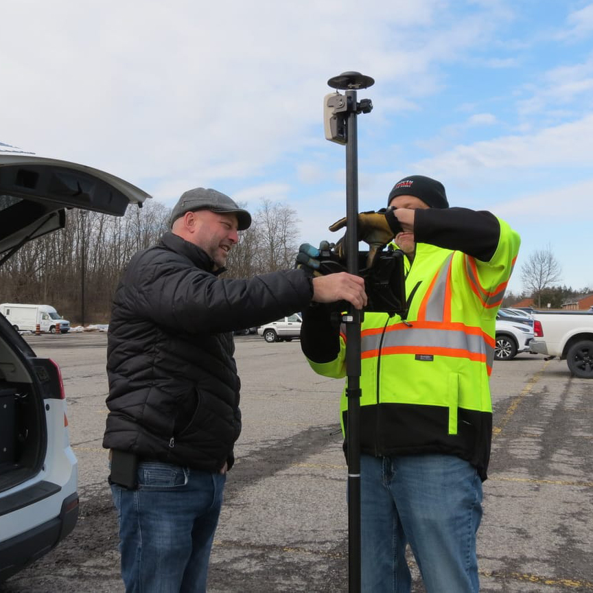 Arrow Gold for Locates: Niagara Region Keeps Infrastructure Safe with Centimeter Accuracy from RTK Base Station and Arrow Gold Locations in Collector for ArcGIS®; shown here they set up an Arrow Gold rover to test the base station