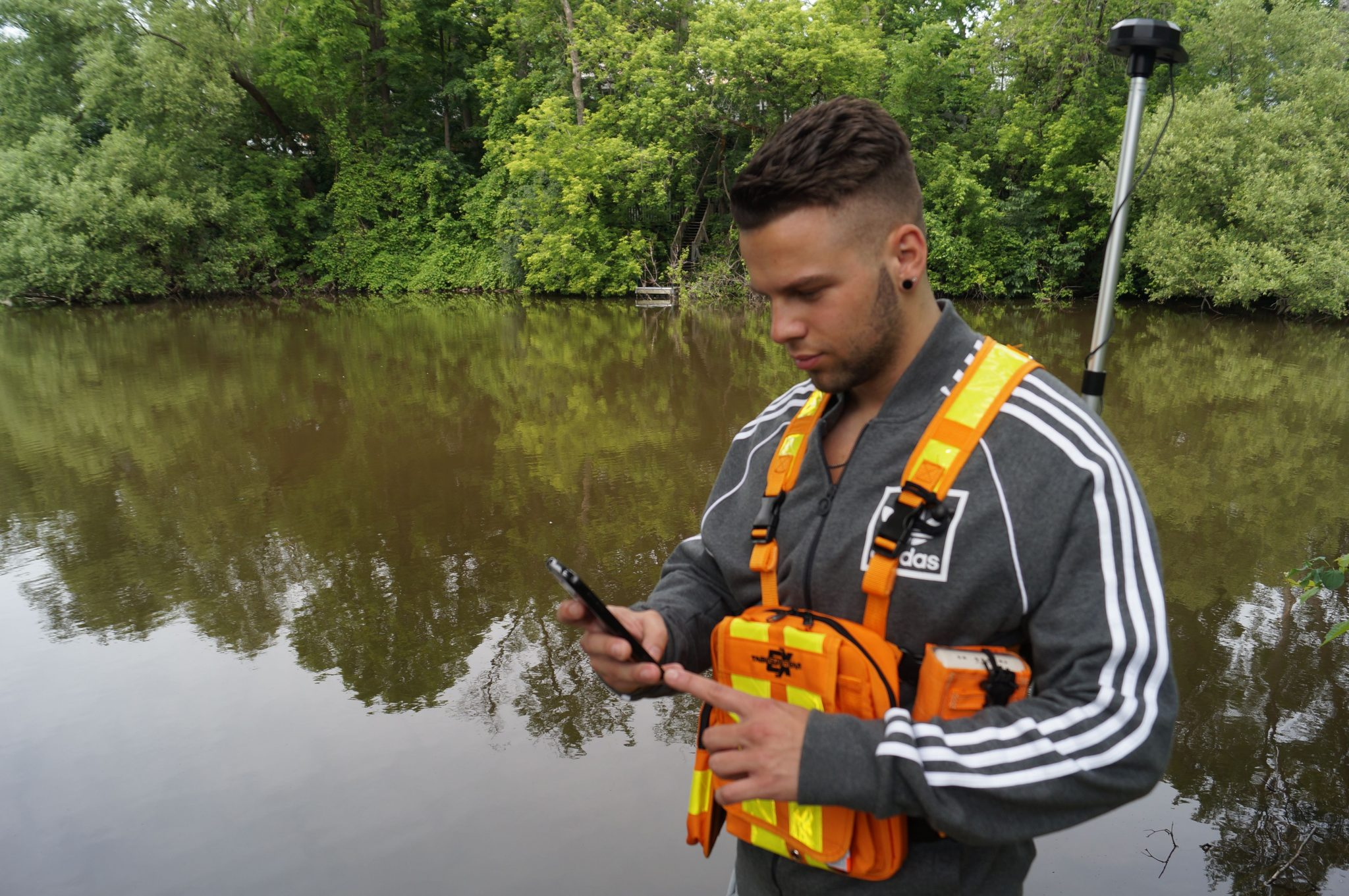 Are you wondering how to use an app of your own to collect high-accuracy GNSS locations from an Arrow receiver? This article will walk you through your options, and explain the benefits of each. Learn why some users use Eos Tools Pro, why others' don't, and how to get started on the workflow you choose.