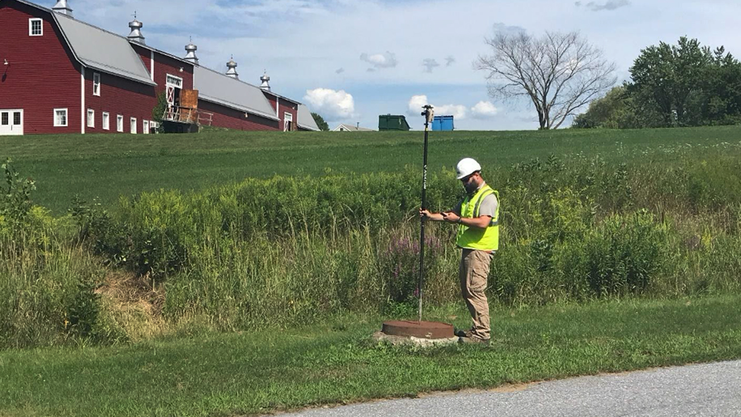 Vermont Gas 9 Taking a point side of road utility Arrow Gold ArcGIS Collector