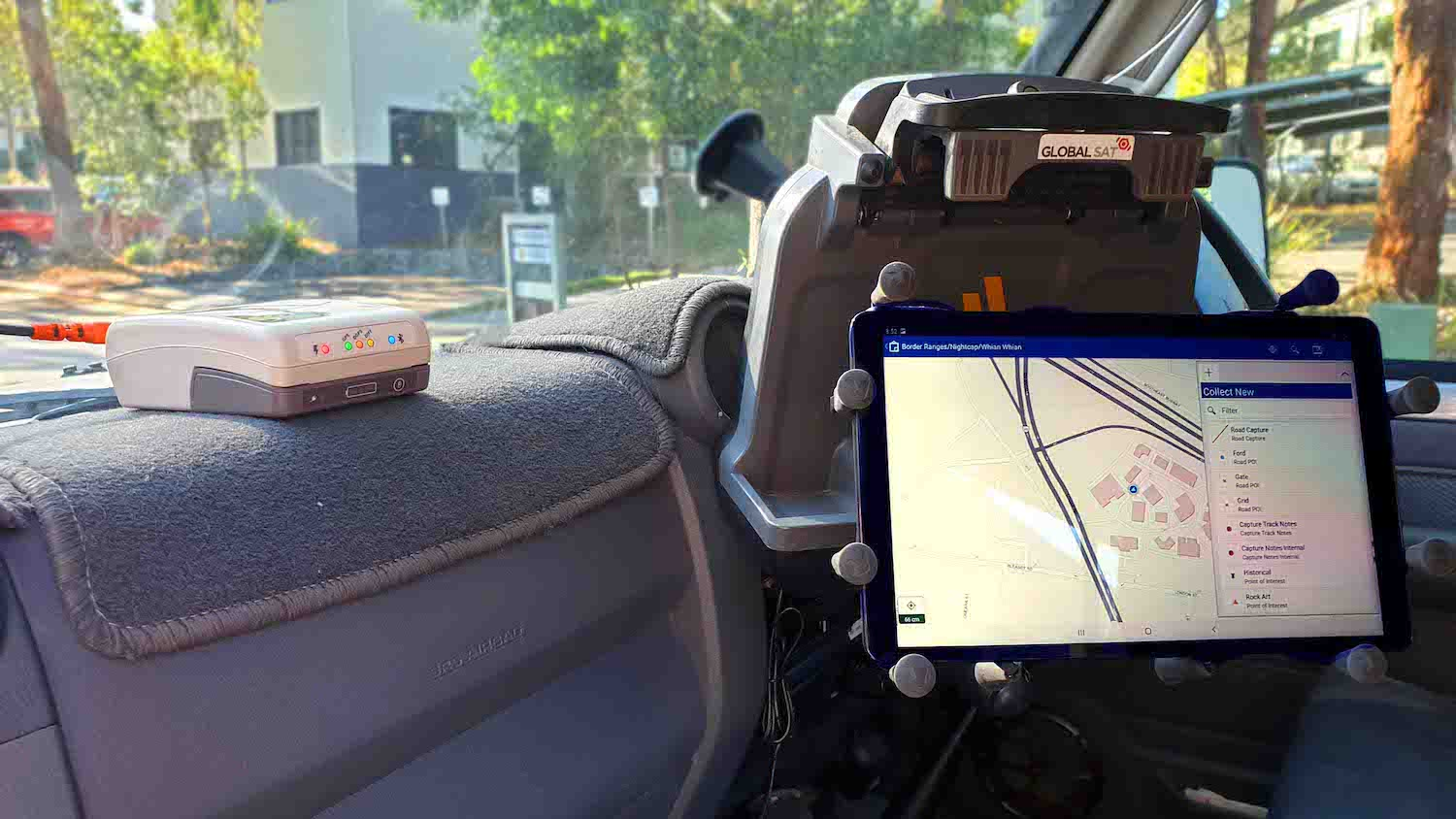 Hema Maps uses an Arrow 100 GNSS receiver and ArcGIS Collector to map sight-seeing routes across Australia