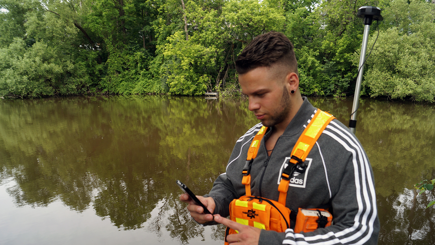 How to Collect High-Accuracy GNSS Locations in Your Own Android App Arrow GPS locations mobile mapping